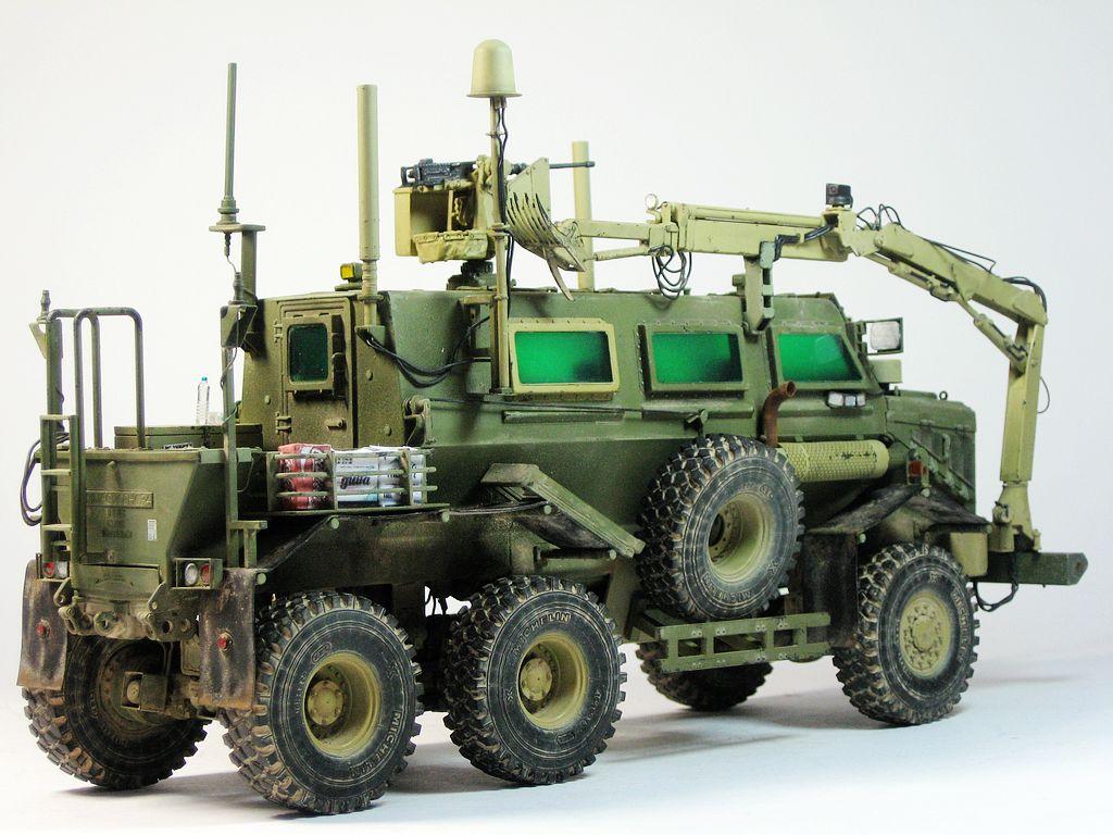 Bronco 1//35 CB35145 Buffalo 6x6 MPCV w//Slate Armor/&Spacad Armour