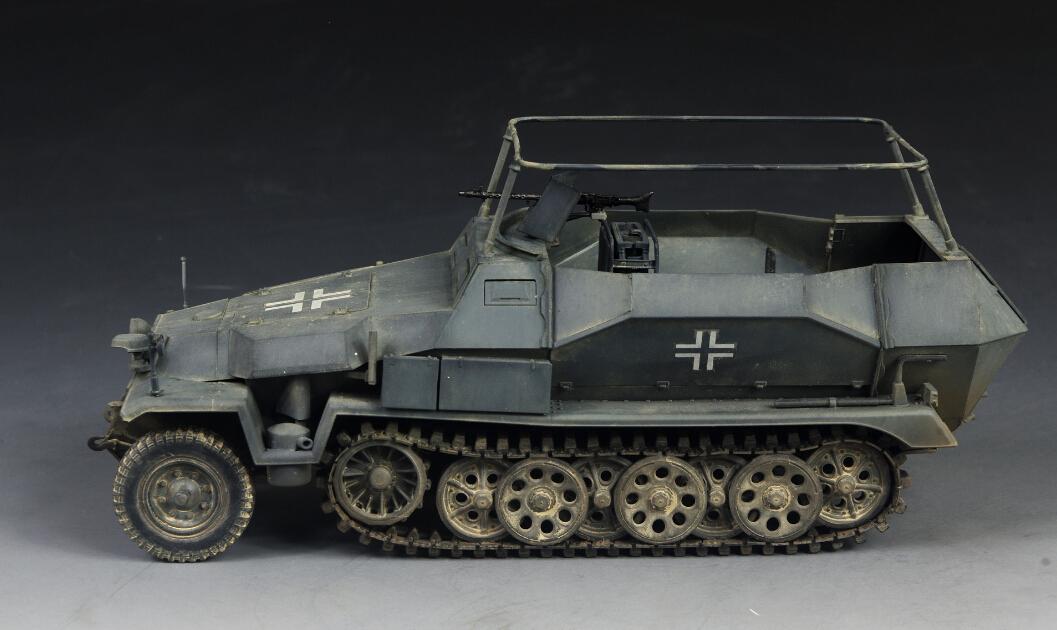 Resin Award Winner Built AFV 1:35 Sd.Kfz.251//17 Ausf.C Command Vechicle PE