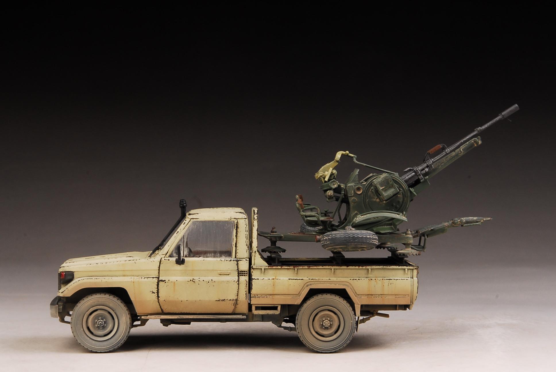 award winner built meng 1 35 toyota land cruiser pickup w. Black Bedroom Furniture Sets. Home Design Ideas